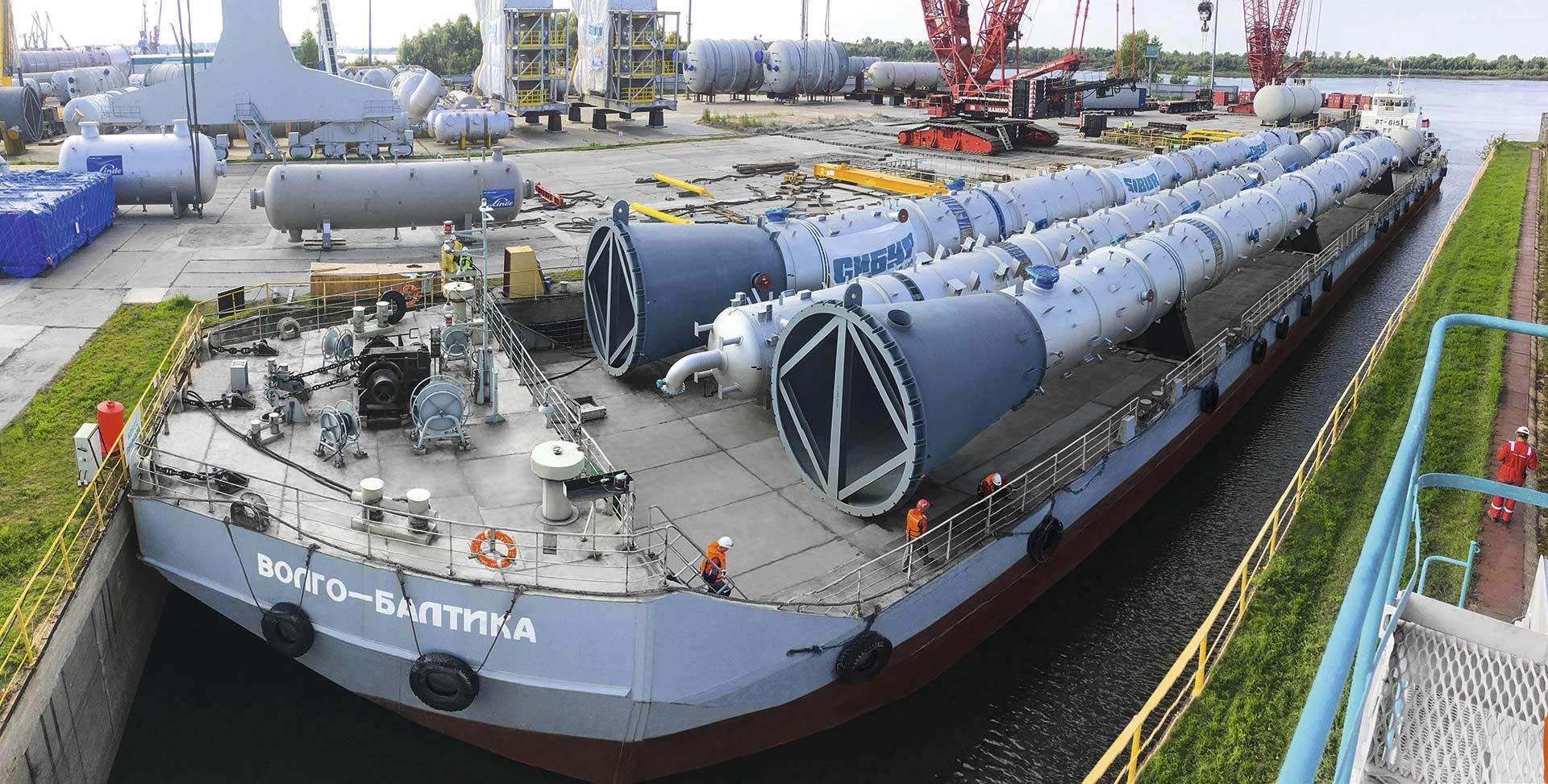 volgo-baltica barge